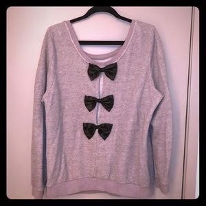 Sweater with Bow accents